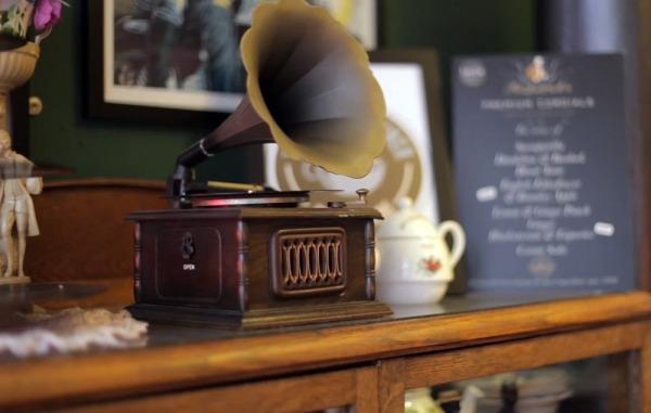 Pie-&-Vinyl-doc